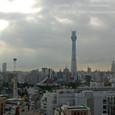 2011.08.24up<br/>2010年夏、東京にて(08) 浅草ビューホテルの11階から撮影した、東京スカイツリーと、浅草寺、花やしき