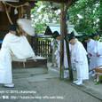 献饌供御人行列(08-01) 伊豆神社にて、鮒(ふな)の神事