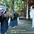 献饌供御人行列(08-02) 伊豆神社にて、鮒(ふな)の神事