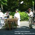 献饌供御人行列(16) NHK、行列の準備の様子を、ただいま取材中