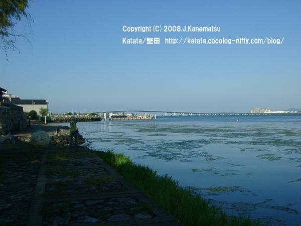浮御堂北湖岸から見た琵琶湖