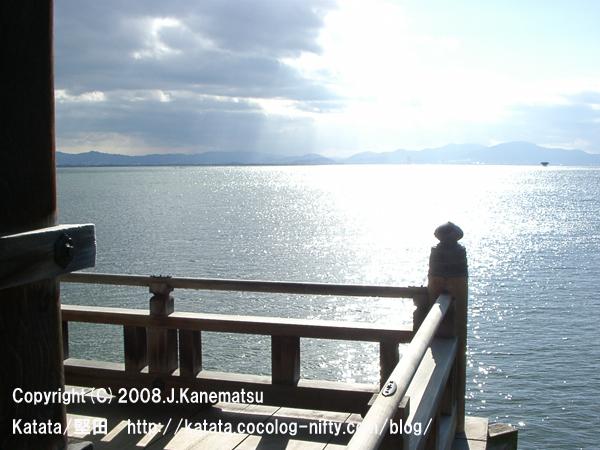 浮御堂の上から見た、1月の琵琶湖