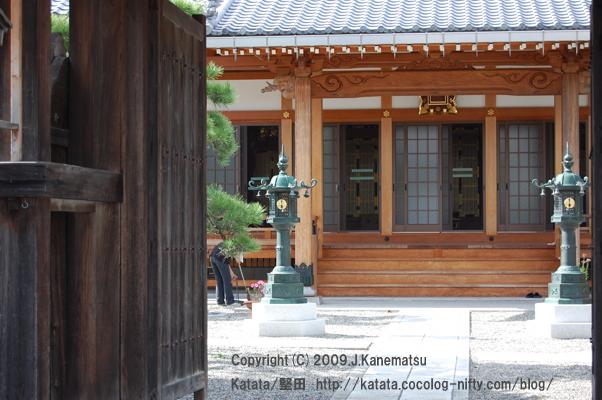 泉福寺の掃除