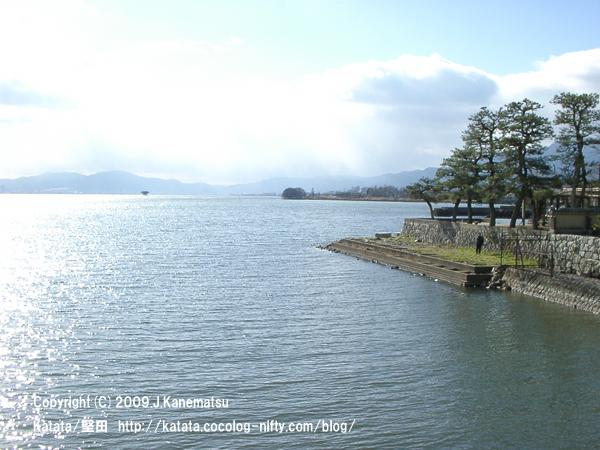 浮御堂の上から見た琵琶湖