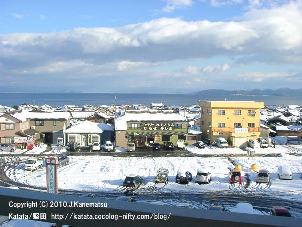 北小松駅から見た琵琶湖の眺め