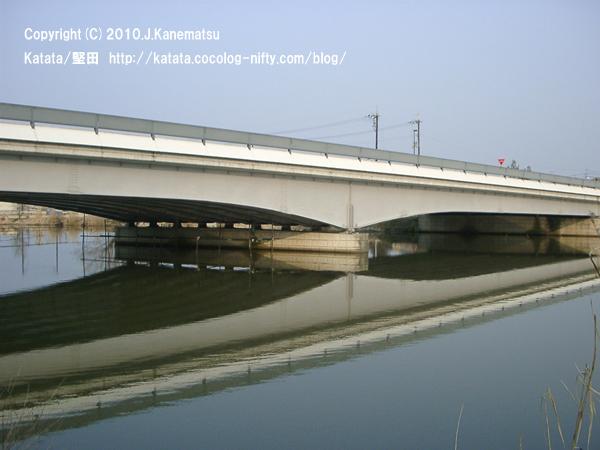水ぬるむ頃、堅田内湖大橋