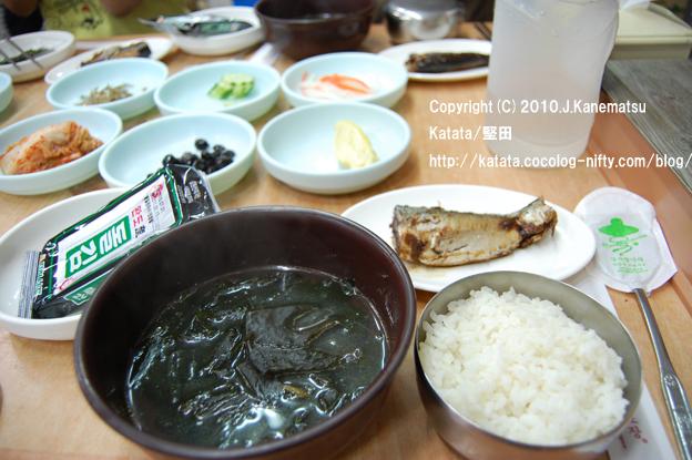 慶州中心部の食堂で食べた朝ごはん