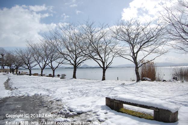 琵琶湖岸、静かな雪の日の風景2