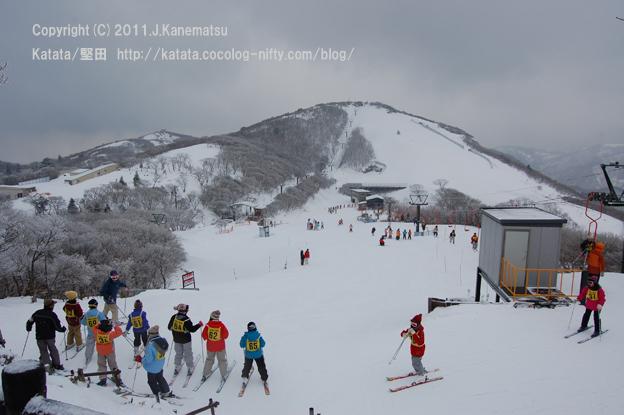 地元・菰野小学校のスキー教室風景