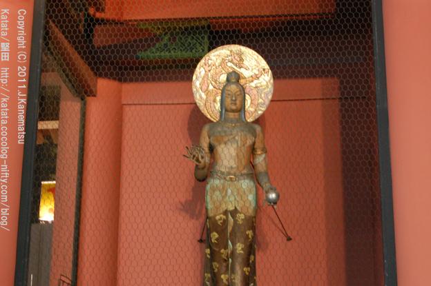 浅草・雷門(裏側)の仏様、金竜