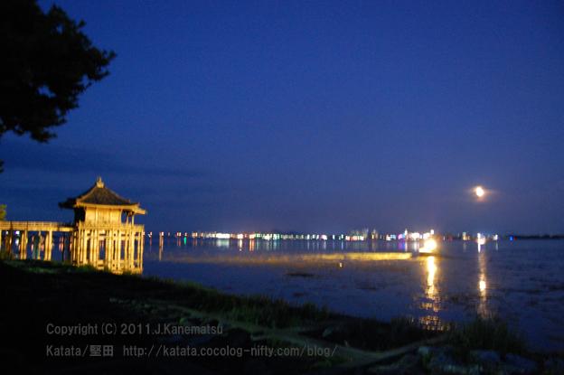 芭蕉も愛でた【琵琶湖畔、堅田・十六夜の月】と浮御堂(2011年9月13日撮影)