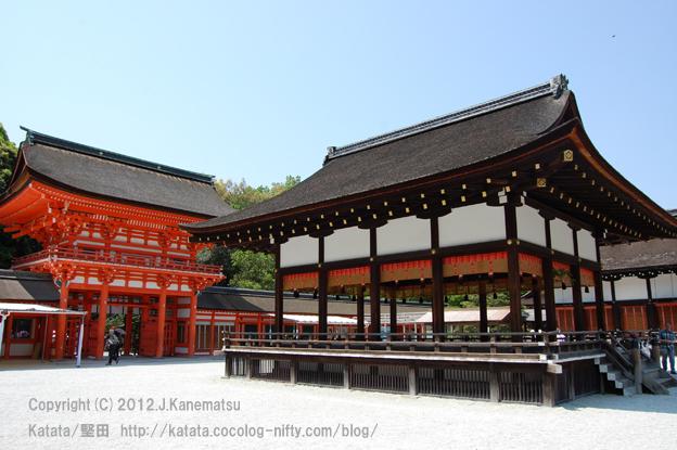 下鴨神社舞殿と楼門