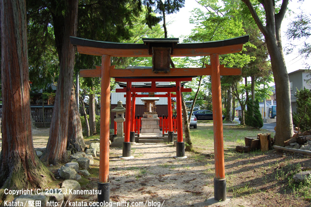 神田神社の静かな朝3・稲荷神社