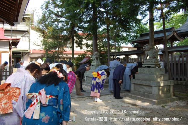 神田神社の静かな朝6・本殿前にて一礼