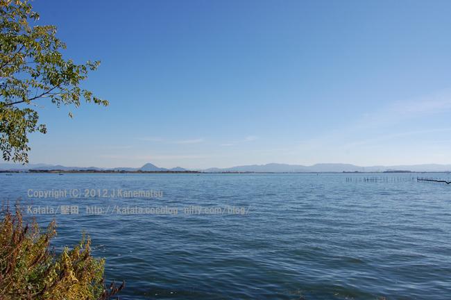 天気のいい日、琵琶湖の風景