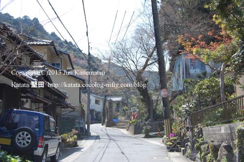 小関越(大津市小関町から山科方面を望む)