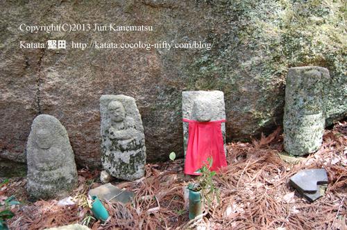 狛坂寺跡の石仏