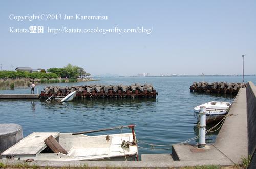 堅田なぎさ苑前の琵琶湖(2013年献撰供御人行列-1)