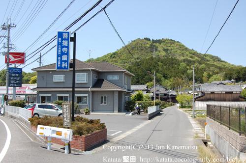 西応寺参道入り口