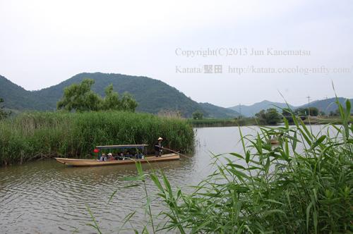 水郷めぐりの和船(近江八幡市北之庄町)