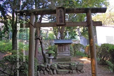 石神古墳群から小野道風神社へ続く竹林の道