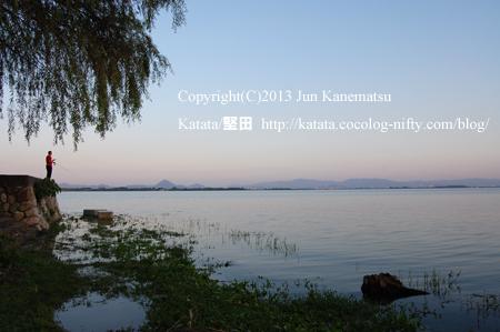 琵琶湖岸の夕暮れ(2013年9月20日、本堅田)-1