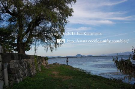 琵琶湖岸の夕暮れ(2013年9月25日、本堅田)-1