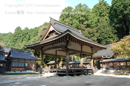 田中神社拝殿の彫刻(高島市安曇川町)