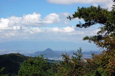 三上山(飯道山頂上からの眺め)